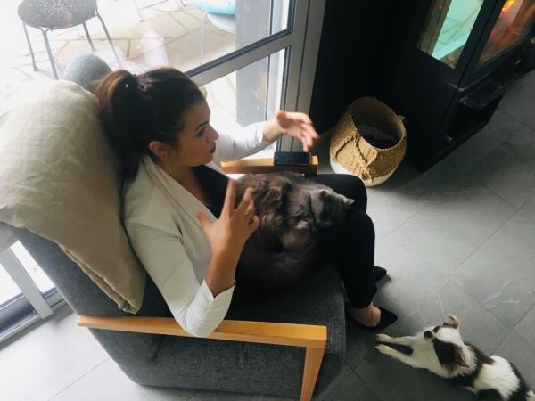 ESSE chat chien Cécile Thore